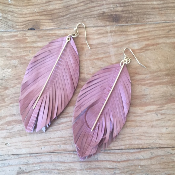 Urban Outfitters Jewelry - Beautiful earrings!